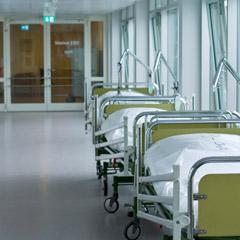 corridor in hospital / Flur im Krankenhaus